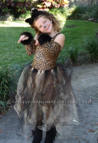 Adorable Kitty Costume for a Girl