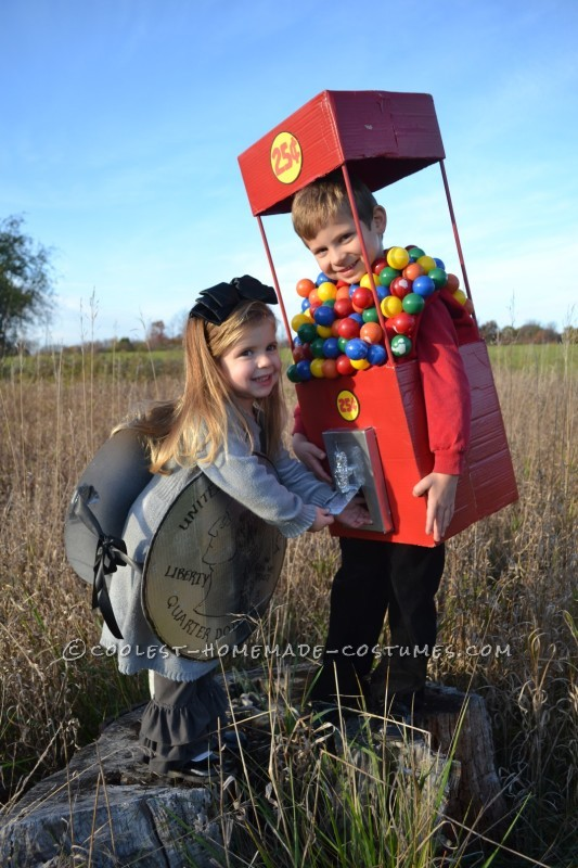 Cool Duo Costume:  A Gumball Machine and a Quarter - 1