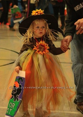 Adorable Scarecrow Costume for a Girl