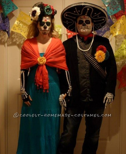 Last Minute Day of the Dead Bandido Couple Costumes - 4