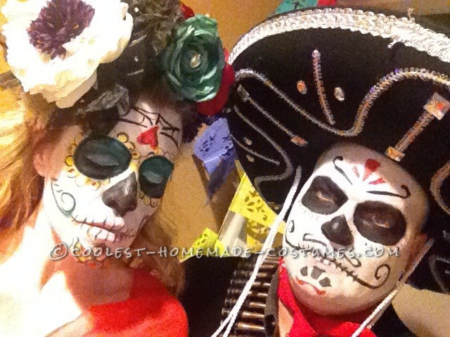 Last Minute Day of the Dead Bandido Couple Costumes - 3