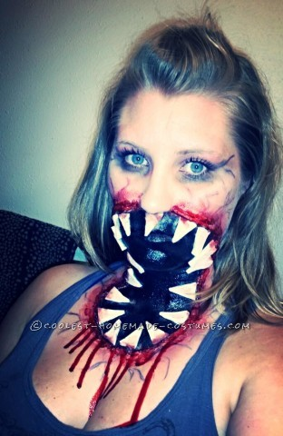 Scary Neck Mouth Zombie Costume