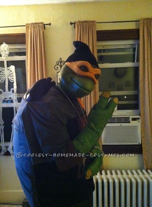 Ninja rap from the side