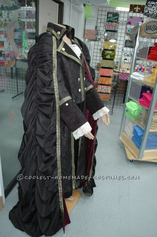 Horror Couple Costume: Count Orlok and Pig Couple Costume - 4