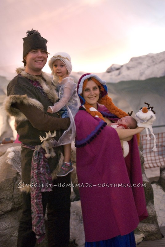 Cool Family Costume Idea: Frozen Family of Four