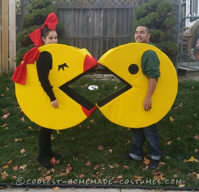 Our Homemade Pacman Famliy Costumes - 1