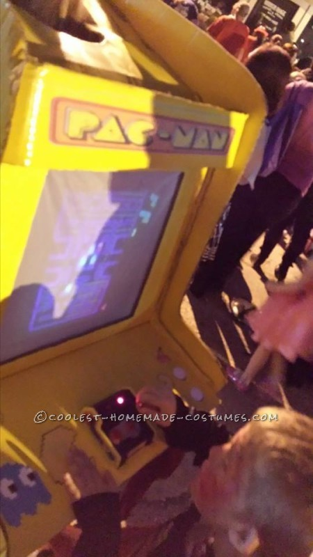 Playable Pacman Arcade Game Costume - 4