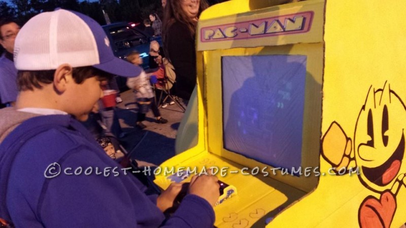 Playable Pacman Arcade Game Costume - 5