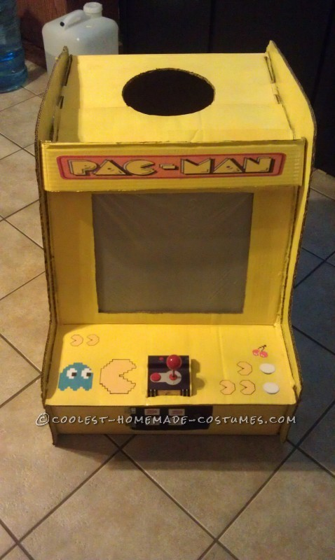Playable Pacman Arcade Game Costume - 2