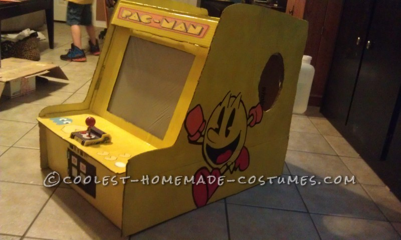 Playable Pacman Arcade Game Costume - 3