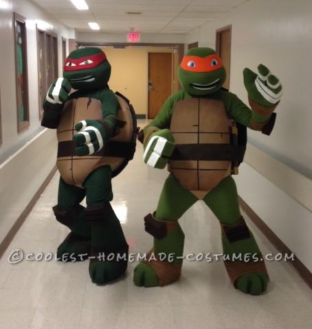 Ninja Turtles Visit Women and Children's of Buffalo on Halloween