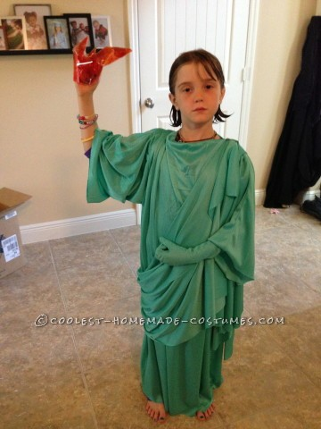 Cool NY Costume Idea: Statue of Liberty Snow Globe
