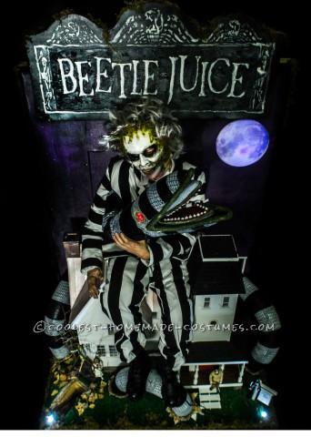 Ultimate Beetlejuice Sand Worm Puppet Costume