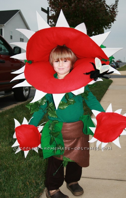 Cool Homemade Venus Fly Trap Costume for a Boy