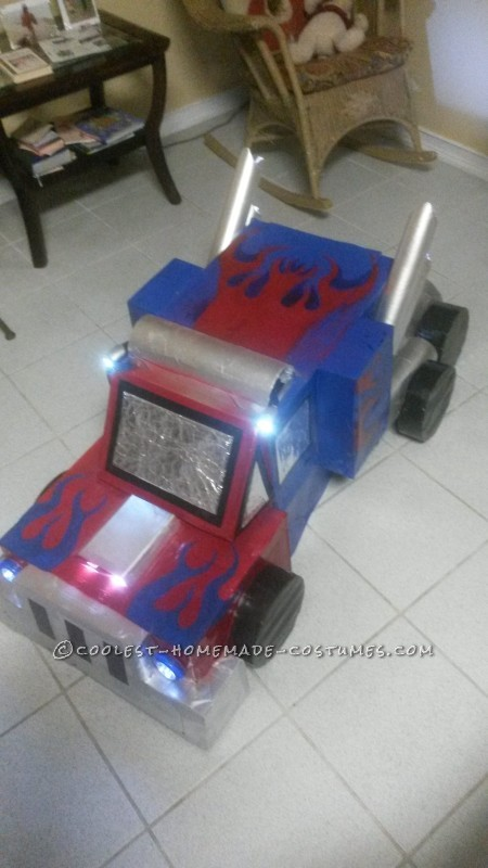 optimus prime truck form front view