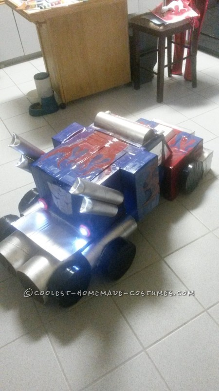 optimus prime truck form back/side view