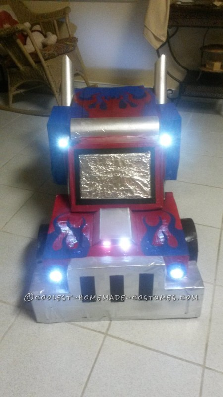 optimus prime truck form direct front view