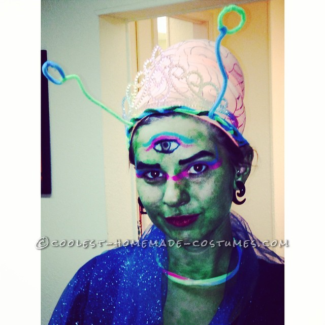 Cool 3-Eyed Alien Warrior Princess Costume