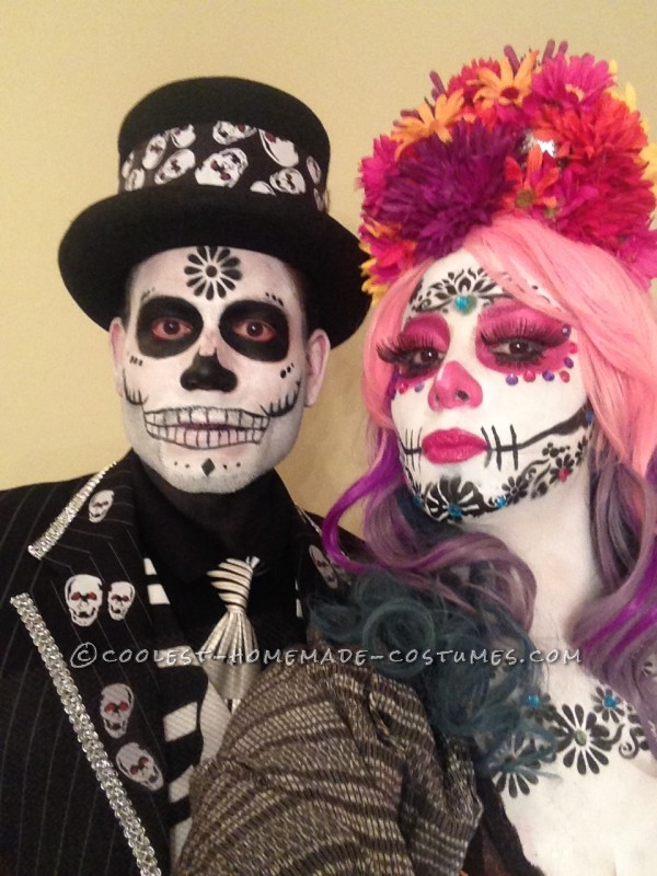 Amazing Day of the Dead Couple Costume