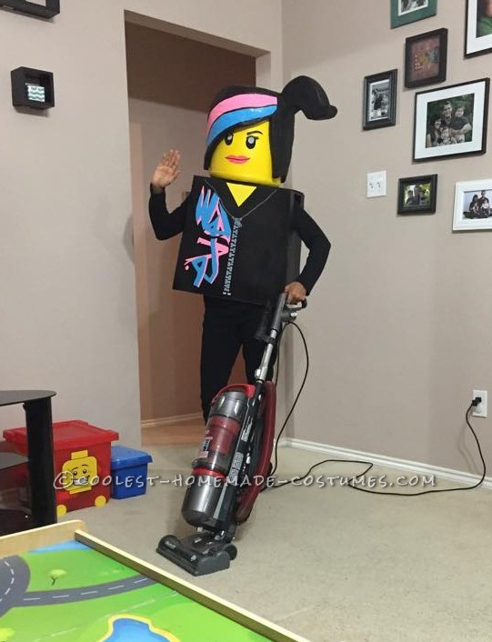 Amazing Family Themed Lego Movie Costumes! - 7