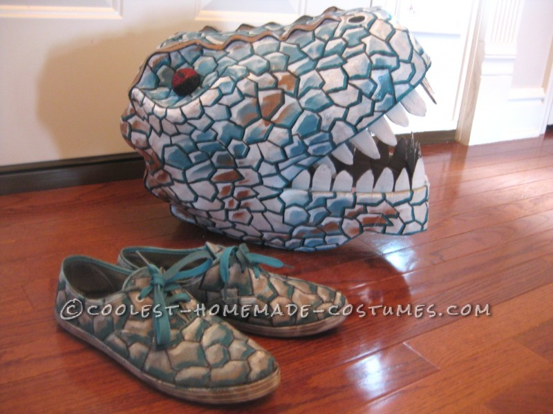 Super Cool Homemade Dinosaur Couple Costume - 8