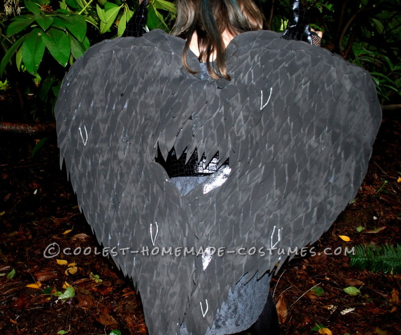 Coolest Homemade Raven Costume for a Girl - 2
