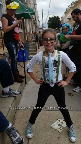 Last-Minute Nerd Costume for a Girl