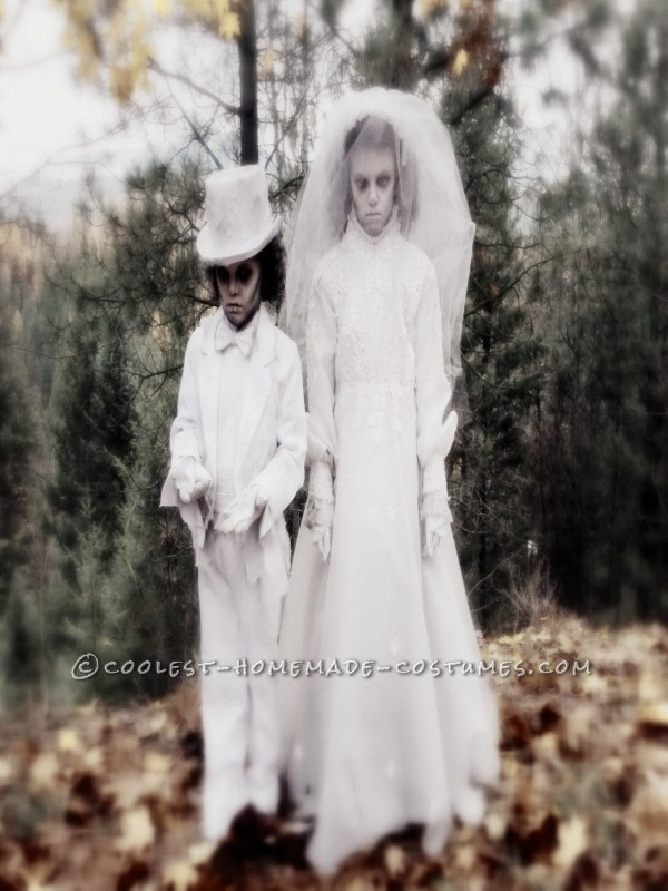Creepy Victorian Ghost Costumes - 2