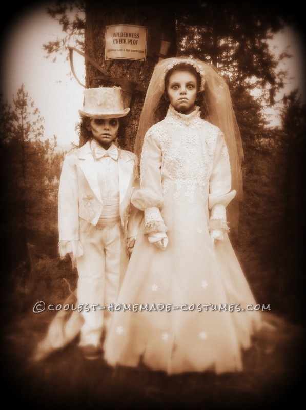 Creepy Victorian Ghost Costumes - 1