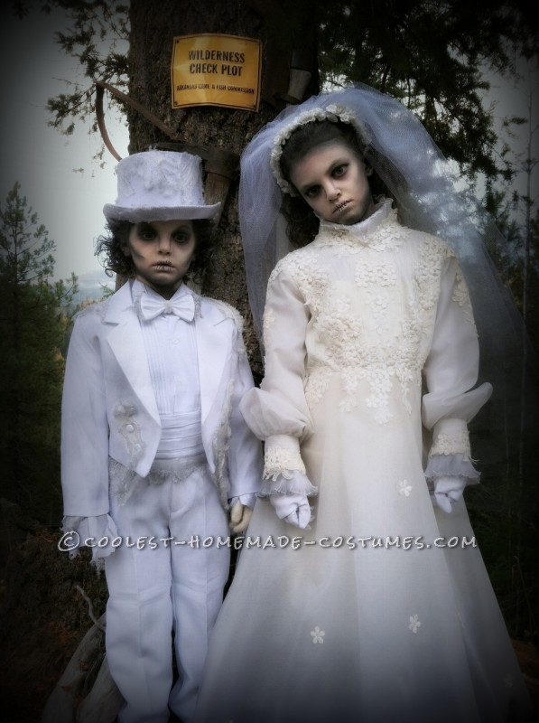Creepy Victorian Ghost Costumes - 4
