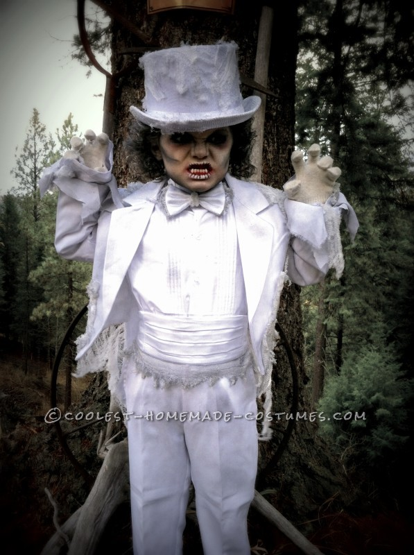 Creepy Victorian Ghost Costumes - 5
