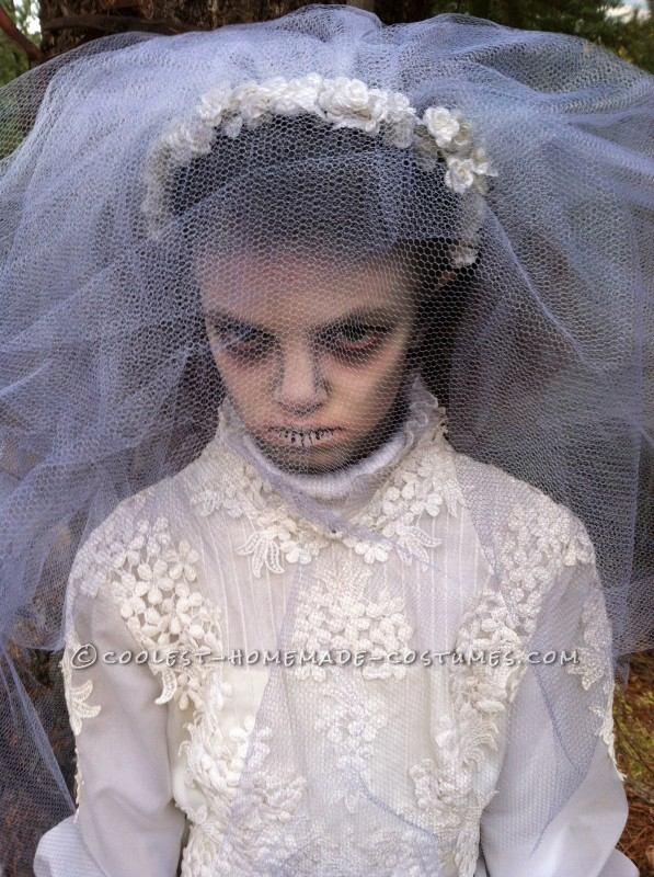 Creepy Victorian Ghost Costumes - 6