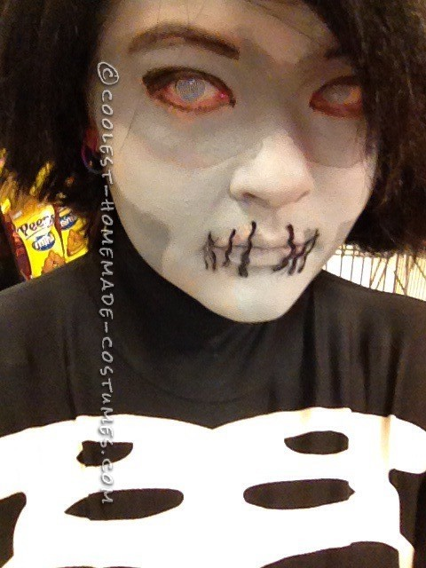 Here you can see my contacts, stitching and face paint much better.