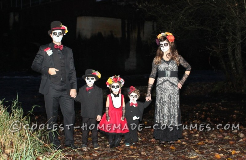 Coolest Homemade Dia de los Muertos Family Costume - 1