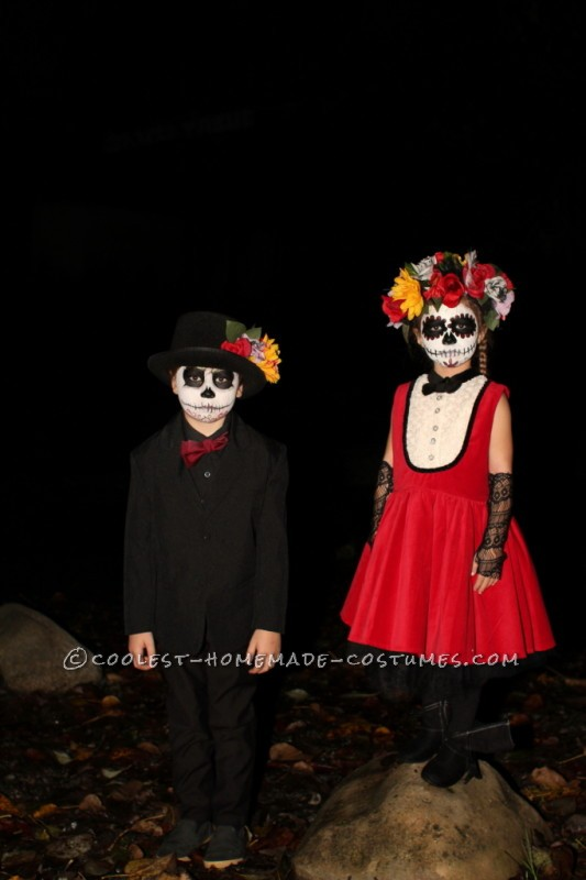 Coolest Homemade Dia de los Muertos Family Costume