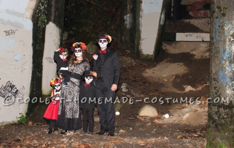 Coolest Homemade Dia de los Muertos Family Costume - 7