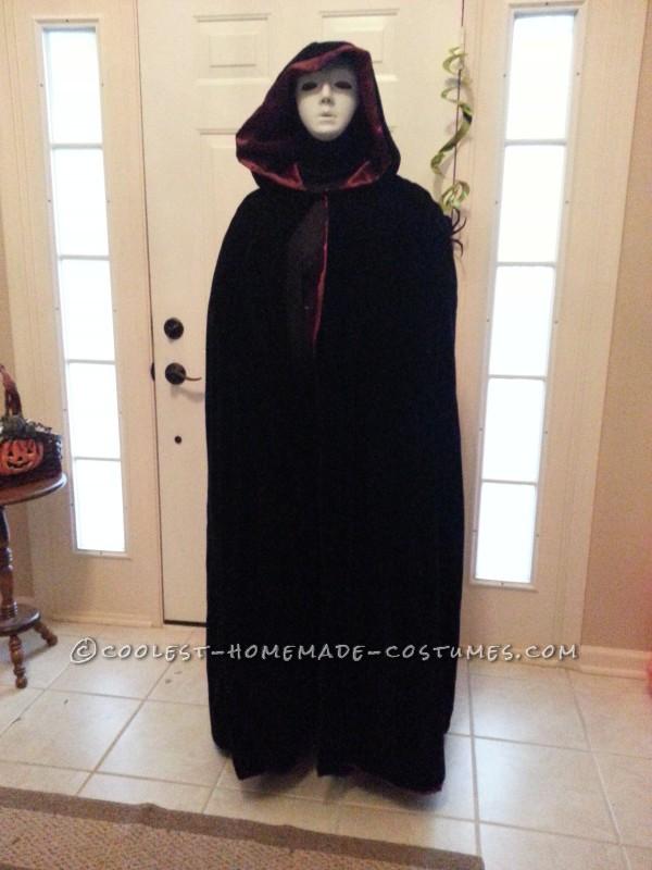 Easy Creepy Phantom Specter Costume