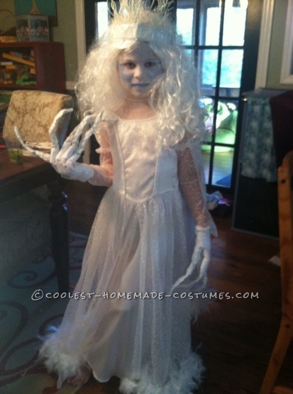 Original and Scary Ice Queen Costume for a Girl - 2