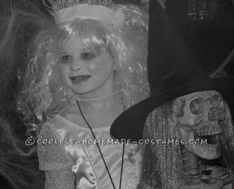 Original and Scary Ice Queen Costume for a Girl