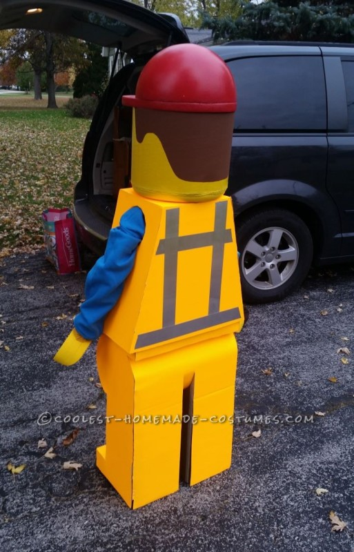Homemade Emmet Costume – Star of The Lego Movie - 1