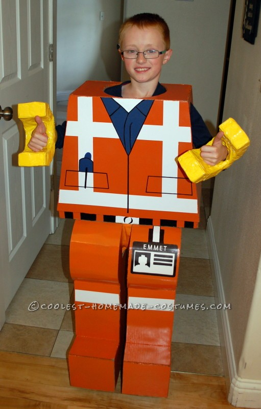 Everything is AWESOME about this Emmet Costume
