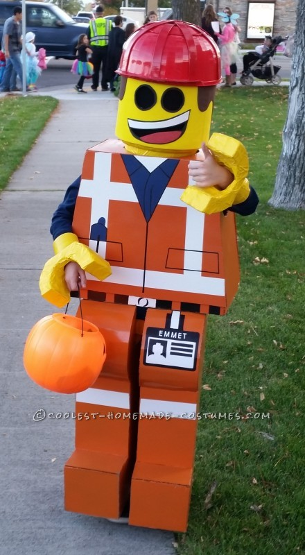 Everything is AWESOME about this Emmet Costume - 1