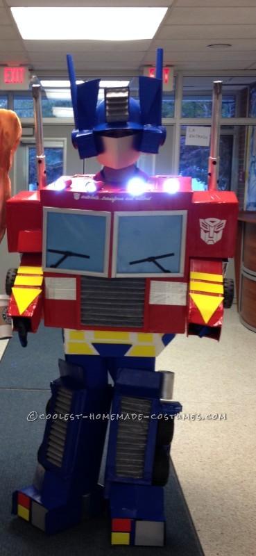 Greatest Optimus Prime Auto Bot Costume