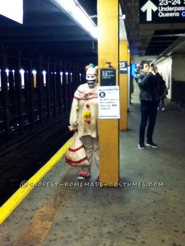 Twisty creeping on the NYC subway platformy