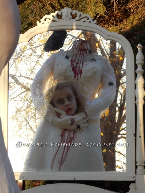 Haunting Headless Bride Costume for a 9-Year-Old Girl - 3