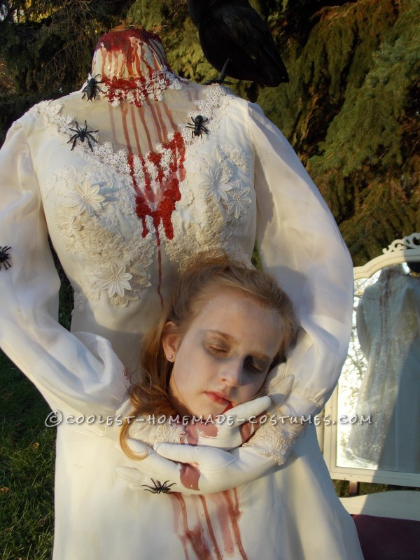 Haunting Headless Bride Costume for a 9-Year-Old Girl - 4