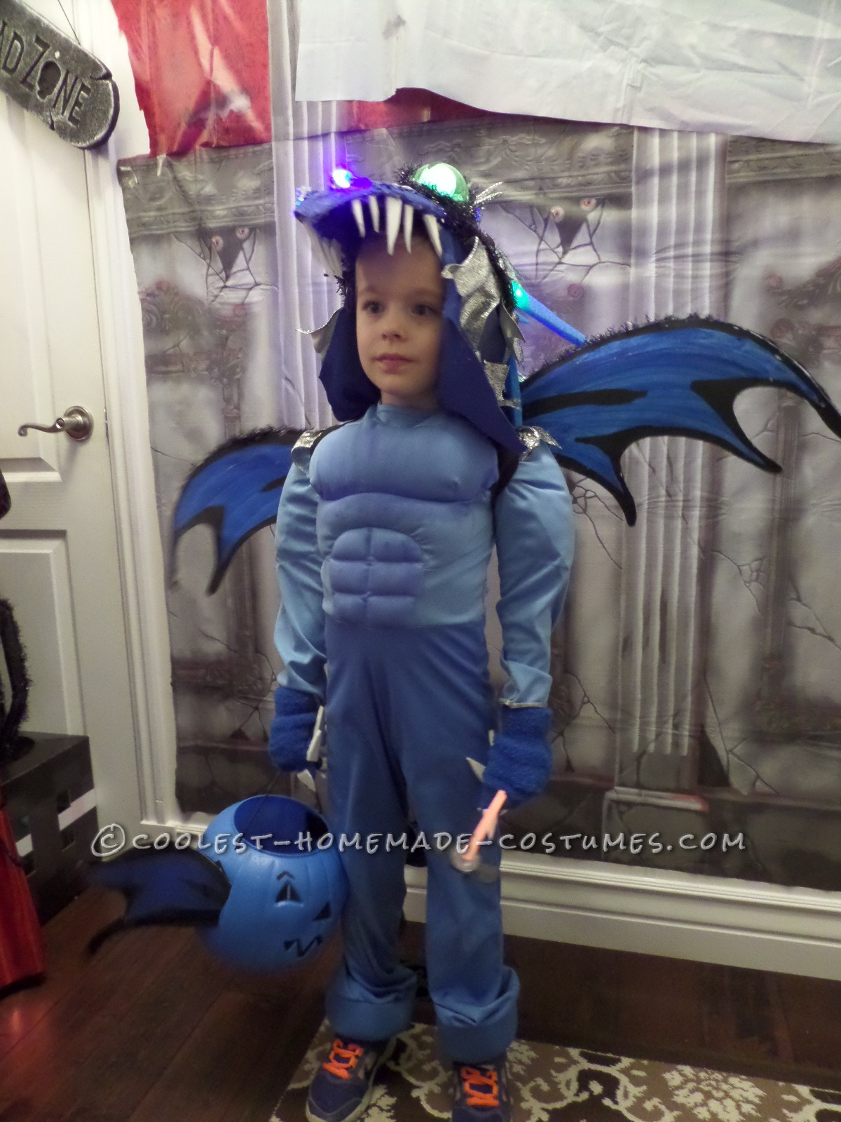 Coolest Homemade How to Train Your Dragon Costume