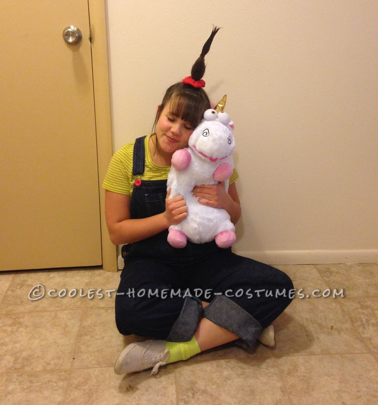 "Agnes loves her unicorn with all her heart (""Unicorns, I love them, Unicorns I love them, Uni-Uni-Unicoooorns"")"