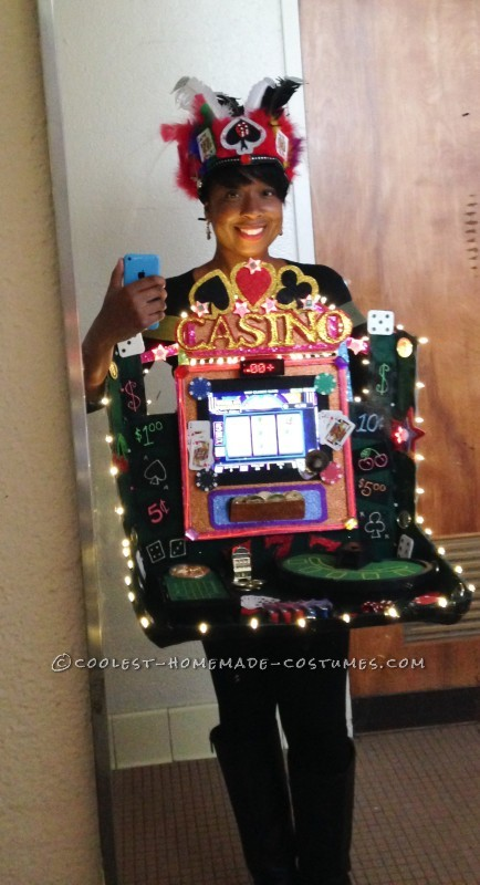 Cool Lady Luck Working Casino Costume - 4