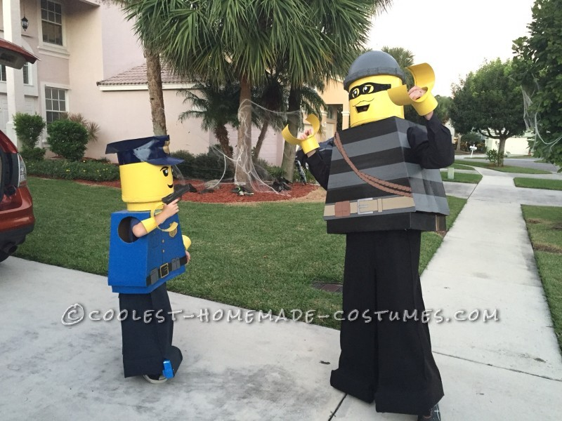 Cool Father/Son Costume: Lego City Police Officer and Burglar - 1